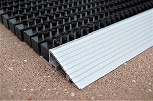 Borstelmat enkel voor vlakke ondergrond - openingen 3,5 mm