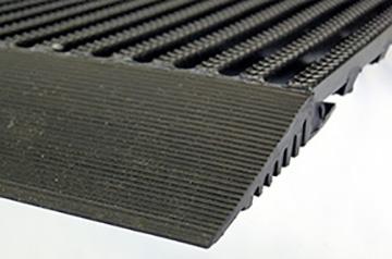 Veilige trap met Vynagrip - drainerend