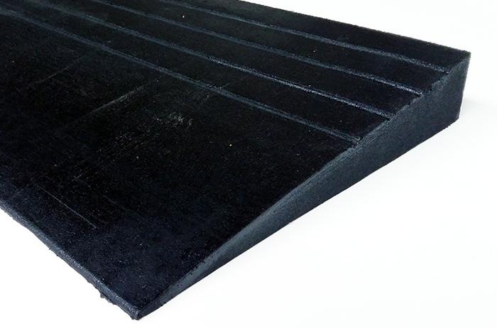 Drempelhulp in rubber één oploopkant